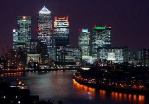 london city canary wharf at night