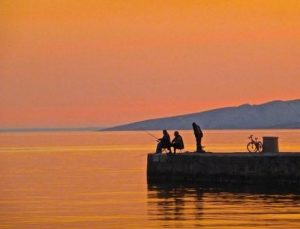 men fishing off pier at sunset, lure, inveigle, tempt, catch, phishing,